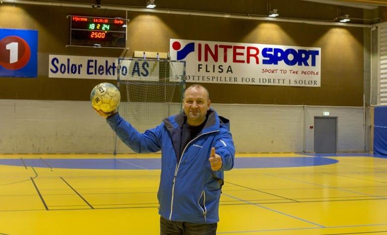 VELKOMMEN: Erik Holtet og Flisa fotball inviterer 2. juledag nok en gang til den tradisjonelle juleturneringa i Åsneshallen. Arkivfoto