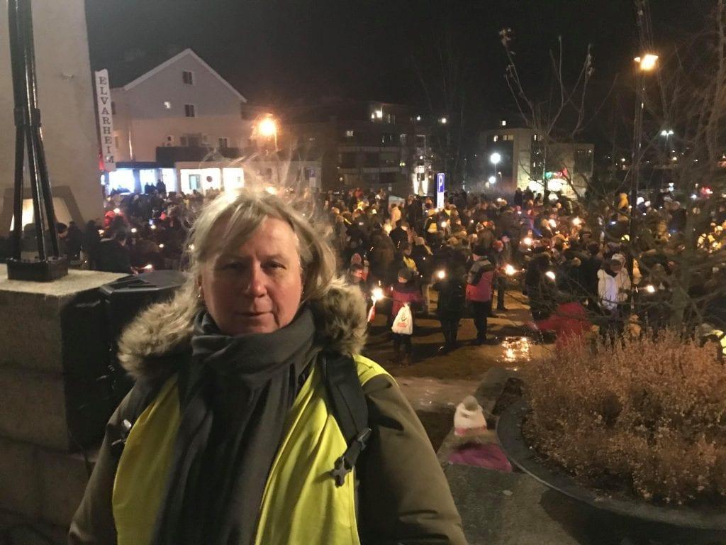 FORNØYD: Initiativtaker Anne-Britt Myrvold er meget fornøyd med oppmøtet fredag kveld. Foto: Mari Nyberget