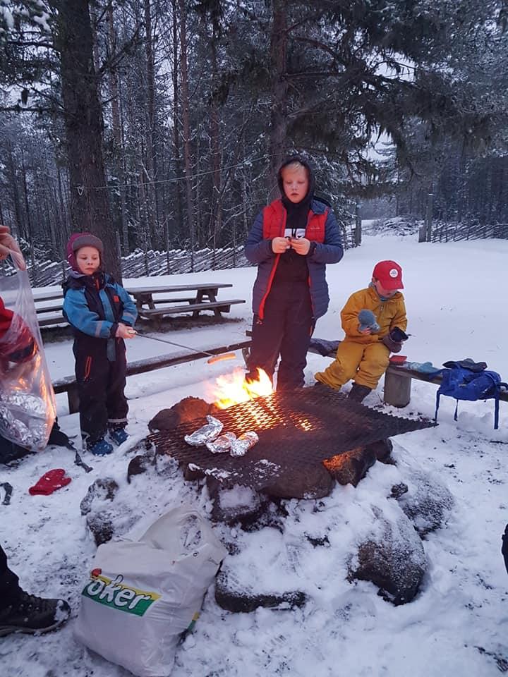 Kveldsmattur Grue, Rosaløypa Foto: Barnas Turlag Solør