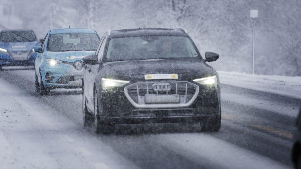 ELBIL: Audi e-tron er Norges mest solgte bil så langt i år. Ifølge tall fra NAF går elbilsalget så det suser. Foto: NAF