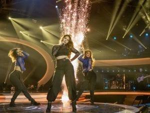 KLAR IGJEN: Mari Bølla skal synge som deltaker nummer 7 fredag kveld. Denne gangen synger hun «Little Me» av Little Mix. Foto: TV2.