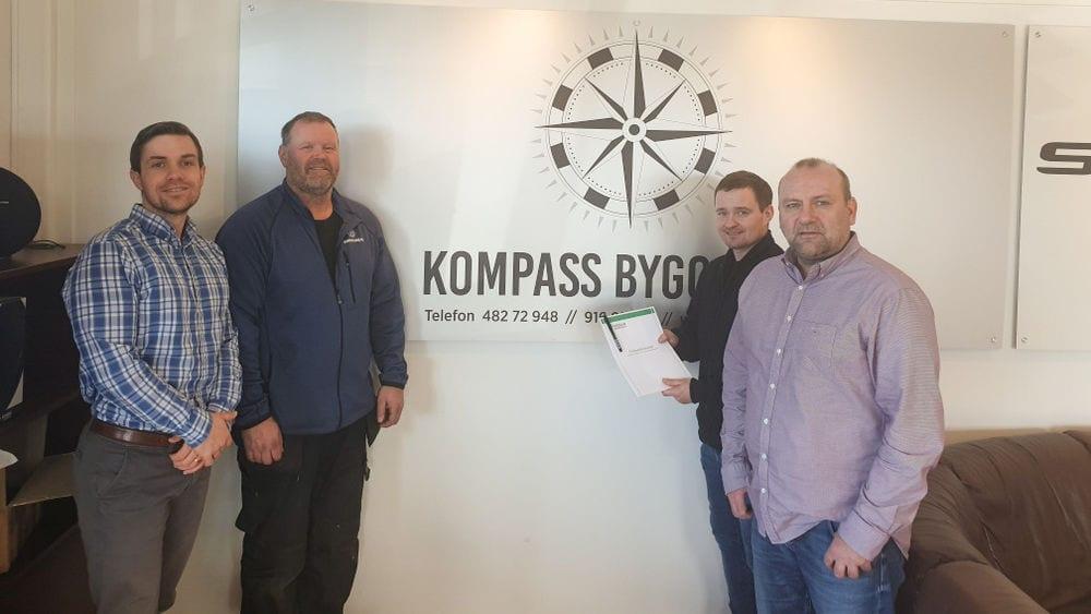 BLIR FORHANDLER: Kompass Bygg AS på Flisa blir forhandler av Hedmalm Anebyhus. Daglig leder Erik Holtet ser store vekstmuligheter i det. Foto: Privat.
