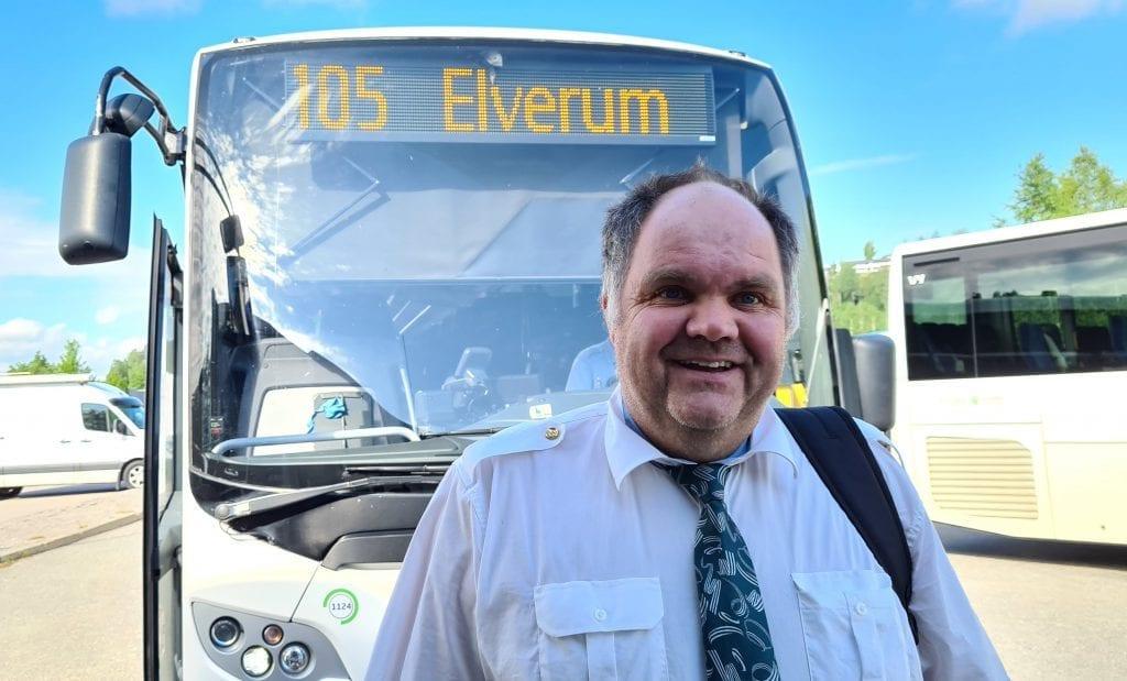 ENDRER RUTA: Fra 1. juli går Solør-bussen rett til Hamar, og du slipper å bytte buss i Elverum. Kent Rune Skybakmoen er én av sjåførene som skal betjene ruta.