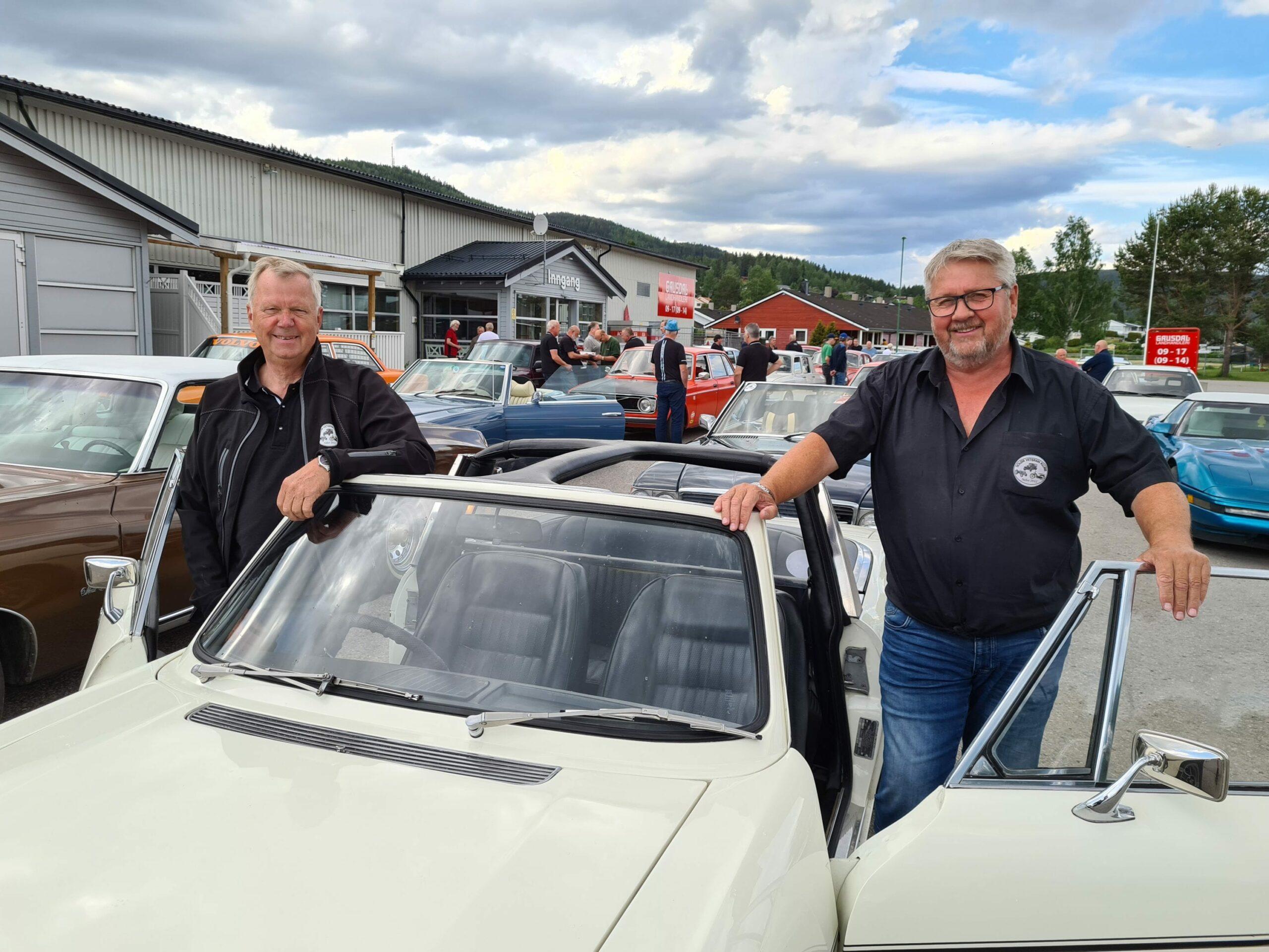 MANGE NYE MEDLEMMER: I 2015 ble Solør Veteran Klubb stiftet, og nå fem år senere teller klubben 142 medlemmer. Bare siden jul har over 40 nye medlemmer kommet til. Arve Kristiansen (til venstre) og Steinar Gresmo etablerte klubben for fem år siden.