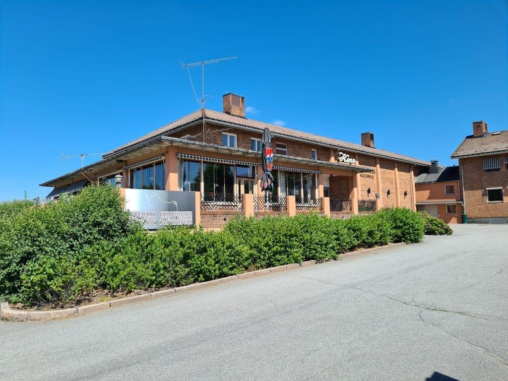 RUSTER OPP: Mens Folkets Steakhouse holder stengt ruster Åsnes kommune opp lokalene.