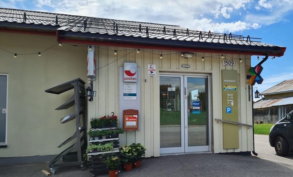 VISER POTENSIALET: Kjøpmann Tormod Borg mener stengte grenser viser hva slags potensiale grendebutikkene i Norge har, om avgiftsnivåene senkes.