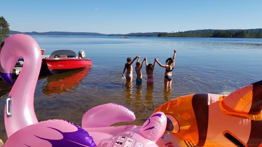 KLART FOR BADING: Badevannene i Solør er målt, og ingen har fått strykkarakter denne sommeren. Her er det klart for bading i Skasen.