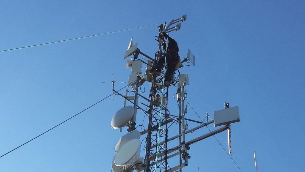 SIKRER SENDINGENE: SolørRadioen har fått støtte til å bygge nødstrøm på Flisa. Det vil sikre at radioen er på lufta også ved lengre strømbrudd.