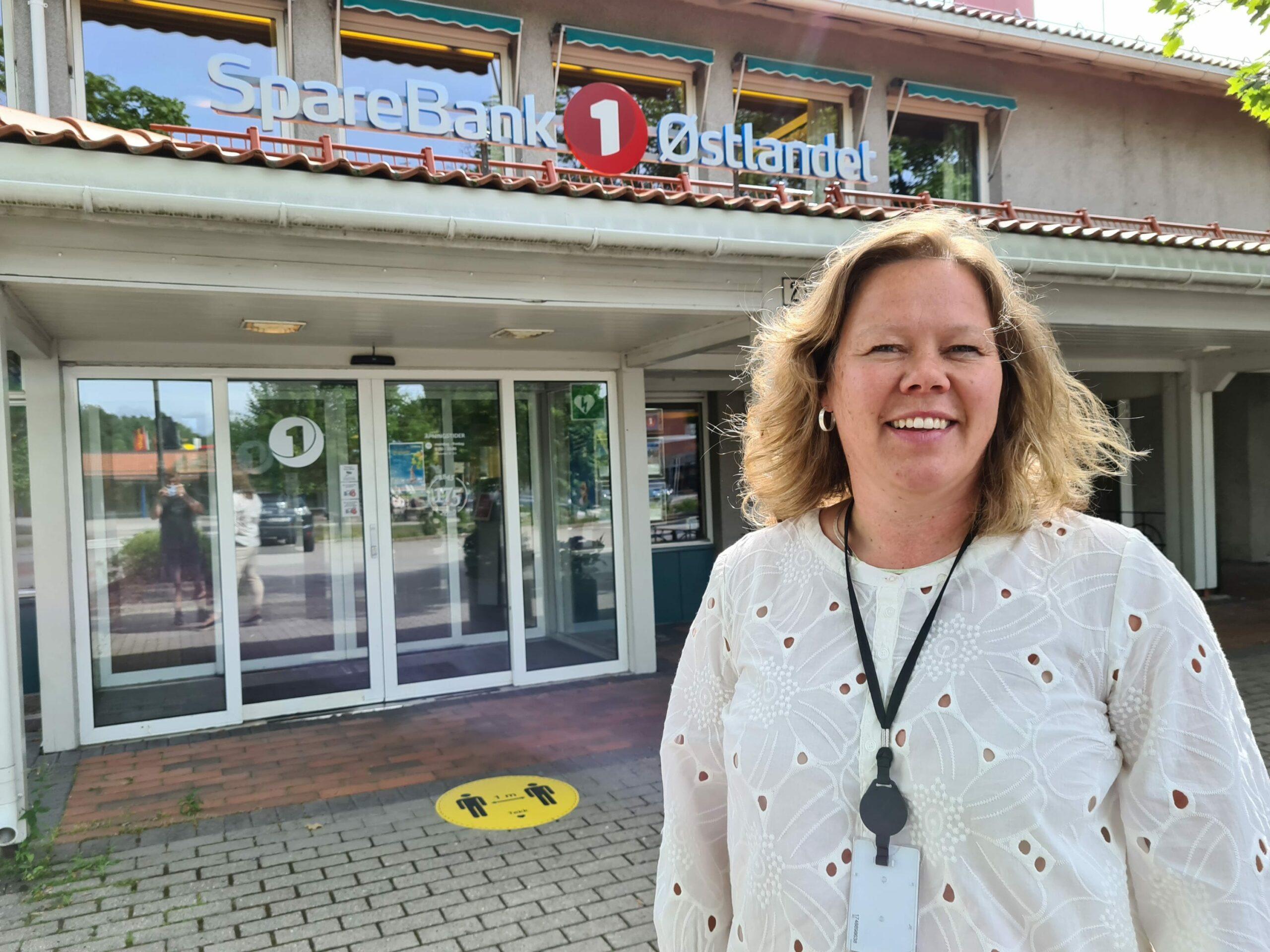 NY BANKSJEF: Annica Sørlundsengen fra Våler er ny banksjef i Solør hos Sparebank1 Østlandet. Hun overtar jobben etter Iver Helstad som nå er pensjonist. Annica startet i jobben 1. juli.