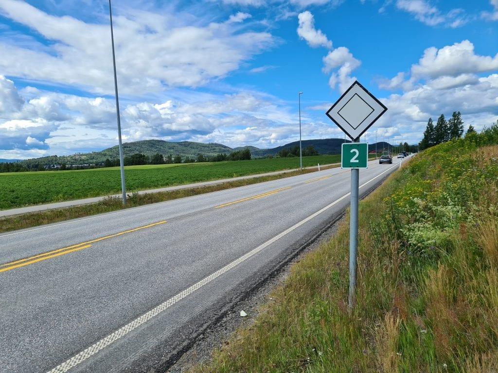 TRAPPER OPP: Utrykningspolitiet trapper opp kontrollvirksomheten på de «grønne» veiene i sommer. Riksveg 2 gjennom Solør er én av dem.
