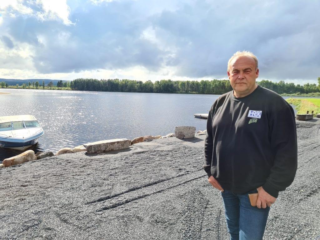 LAGER STØRRE BRYGGE: Planen er å lage en brygge her med plass til 20 båter i første omgang. Bård Holmen ved Færder Camping har allerede fått mange henvendelser om å leie båtplass.