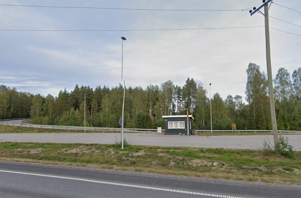 KONTROLL I GÅR: Så stille var det ikke på Namnå i går da Statens Vegvesen hadde kontroll av tunge kjøretøy. Fem fikk kjøreforbud i kontrollen. Foto: Google Maps.