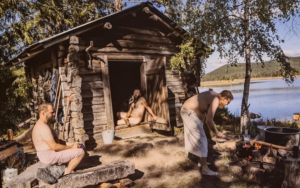 ÅPEN TIL MAI: Frem til 24. mai kan du se utstillingen «Menniskor på skogen» på Norsk Skogmuseum. Utstillingen gjenspeiler mye fra den skogfinske kulturen.