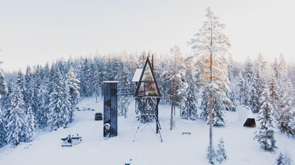 TREKKER MANGE: Folk fra hele landet booker seg inn hos PAN Tretopphytter i Gjesåsen. De søker stillheten, roen og utsikten. Foto: Privat.
