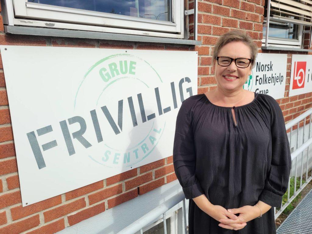 SØKER KANDIDATER: Karen Banggren er daglig leder ved Grue Frivilligsentral, og håper på mange gode nominasjoner til årets frivillighetspris i Grue.