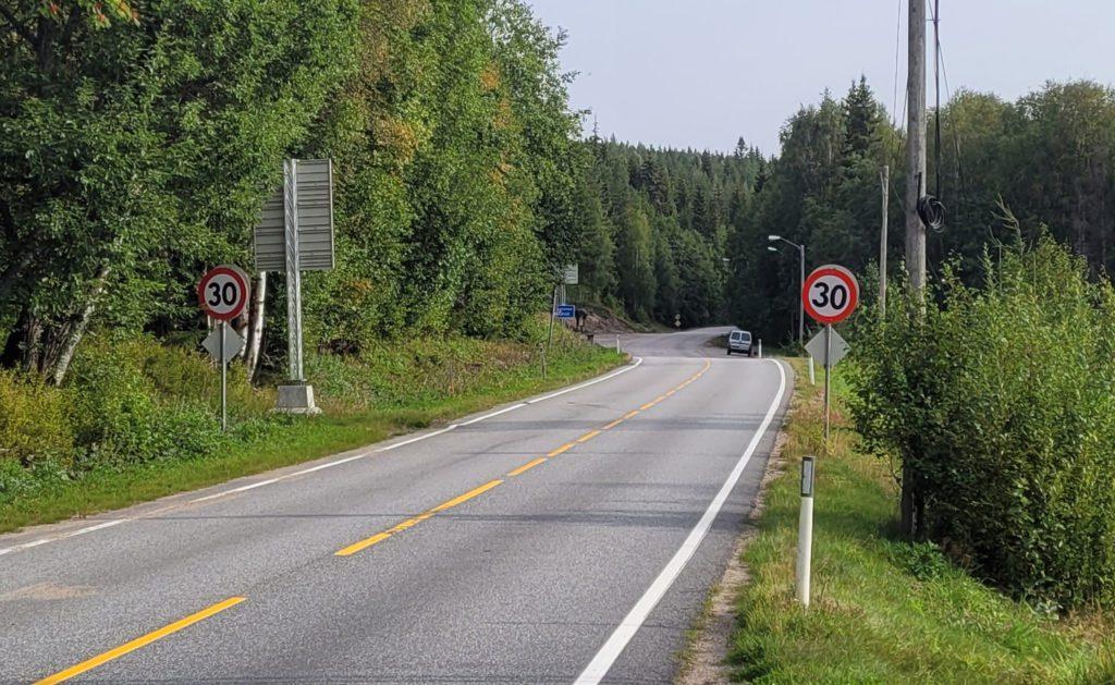 BLIR ÅPNET: Grenseovergangen ved Linna på Åsnes Finnskog er blant dem som åpnes for fri trafikk begge veger fra natt til onsdag 6. oktober.