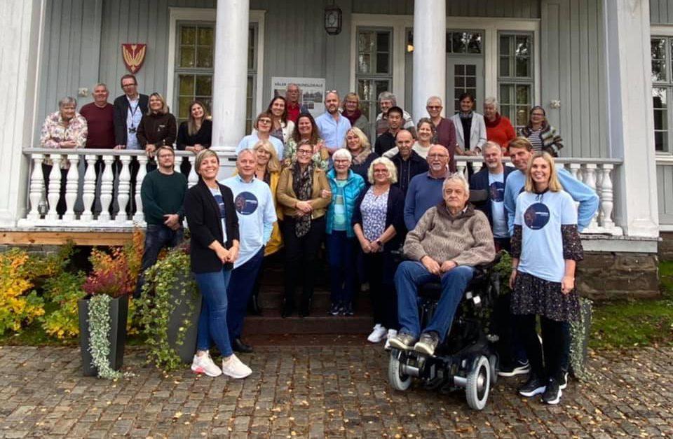 BRA OPPMØTE: Mange møtte opp i Kommunelokalet da Inspirasjonskorpset kom på besøk tirsdag. Foto: Statsforvalteren i Innlandet.